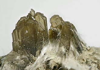 Clinozoisite - Clinozoisite