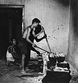 Collectie NMvWereldculturen, TM-20001971, Negatief, 'Zilversmeden aan het werk bij het bedrijf MD Silver', fotograaf Boy Lawson, 1971.jpg