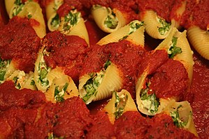 English: Stuffed pasta shells with spinach and...