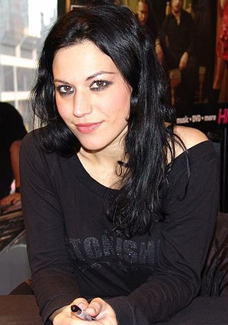 """United Abominations - Cristina Scabbia of Lacuna Coil performed guest vocals on """"À Tout le Monde (Set Me Free)"""". She appeared on stage with Megadeth to perform the song in Australia and Italy."""