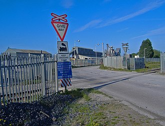 Dairycoates - Level crossing and Asphalt Concrete plant, Freightliner Road, Dairycoates (2007)