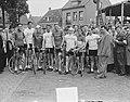 De Nederlandse Tour de France ploeg met Kees Pellenaars, tijden de ronde van Wou, Bestanddeelnr 904-6310.jpg