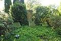Delbrück - Friedhof - Priestergräber.jpg