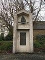 Denkmal für Anton Wilhelm Florentin von Zuccalmaglio in Waldbröl (Zentrales Steinobjekt).jpg