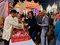Distributing auspicious offerings at the Yuanjiao Festival of Nanliao Fumei Temple.jpg