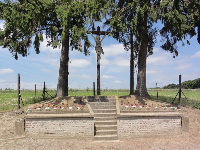 Dorengt (Aisne) croix de chemin