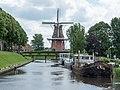Driepypstergracht mit Windmühle Zeldenrust in Dokkum.jpg