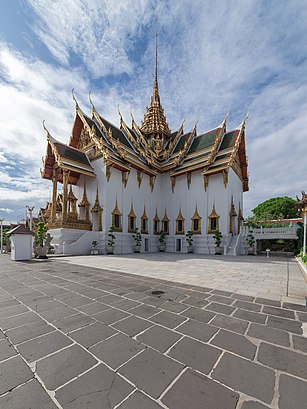 How to get to พระที่นั่งดุสิตมหาปราสาท with public transit - About the place