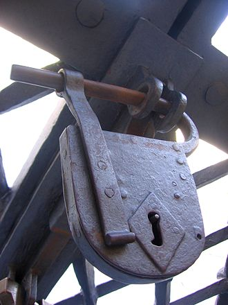 Padlock - Early padlock style, on the front gates of St. Peter's Basilica
