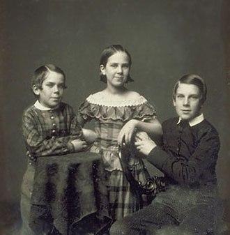 Oliver Wendell Holmes Sr. - Daguerreotype of 1854 showing Holmes's children: Edward Jackson Holmes, Amelia Jackson Holmes and Oliver Wendell Holmes Jr.