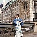 Egyesült Királyság, London, Westminster híd keleti hídfője. Kemenes Mari manöken. Fortepan 30421.jpg