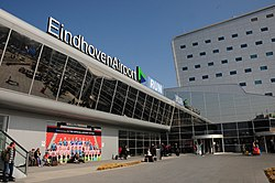 Eindhoven Airport at 9 April 2015, entrance building - panoramio.jpg