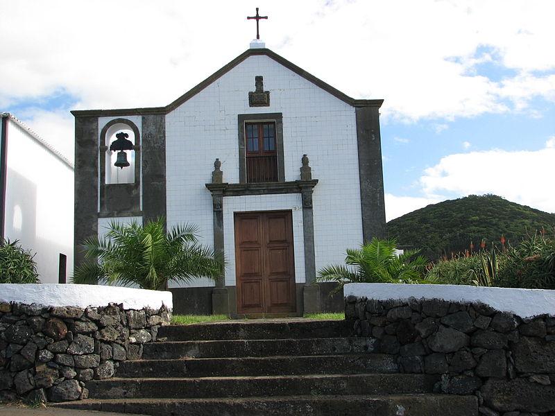 Ficheiro:Ermida da Ajuda St Barbara Ter Azores.jpg
