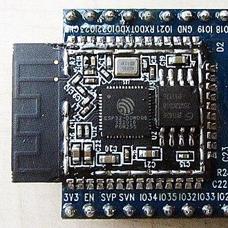 330px-Espressif_ESP-WROOM-32_Wi-Fi_%26_B
