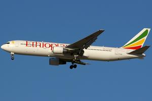 Ethiopian Airlines Boeing 767-300ER ET-AMG DXB 2007-12-28.png