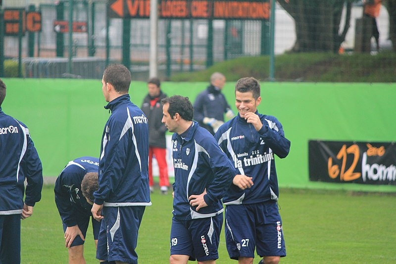 File:FC Lorient - january 3rd 2013 training - Giuly(19) et Enzo Reale(27).JPG