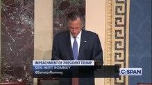 Bestand: VOLLEDIGE OPMERKINGEN - Senator Mitt Romney stemt om president Trump te veroordelen wegens misbruik van Power.webm