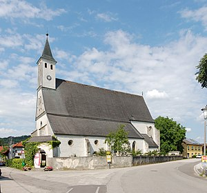 Filialkirche_St._Leonhard_03.jpg