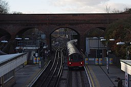 Finchley Central tube station MMB 02 1995 Stock