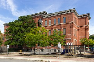 The Glebe - Image: First Ave School Ottawa