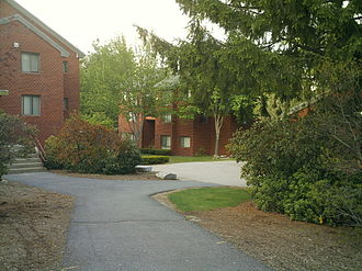 Fitchburg State University - The Townhouse Apartments