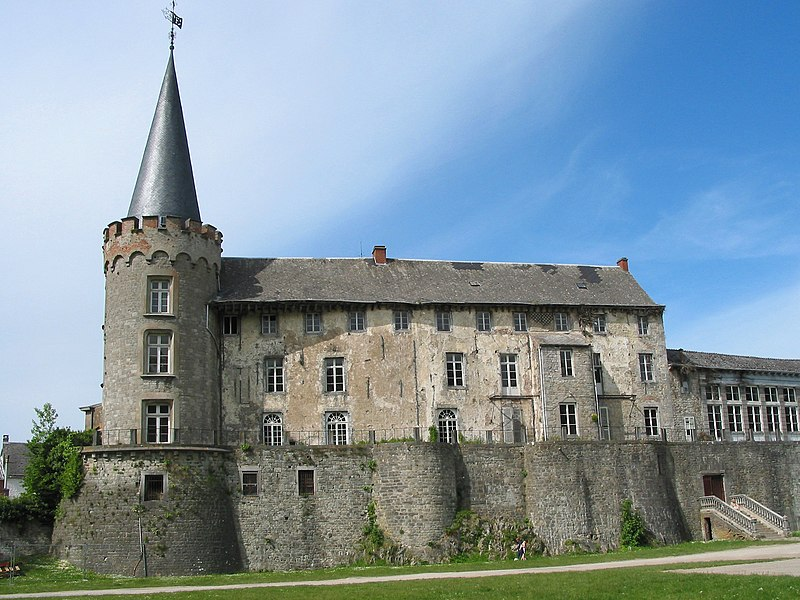 Florennes   (Belgium), the castle (XII/XVIII centuries).