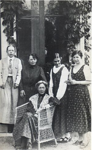 Kvinnliga medborgarskolan vid Fogelstad -  From left to right: Elisabeth Tamm, Ada Nilsson, Kerstin Hesselgren, Honorine Hermelin and Elin Wägner, members of the Fogelstadgruppen, who founded and managed the Kvinnliga medborgarskolan vid Fogelstad.