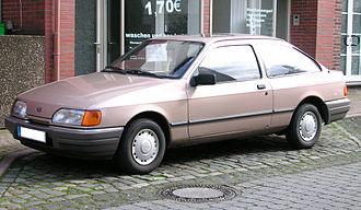 Ford Sierra - Image: Ford Sierra CLX 1988 zweitürig