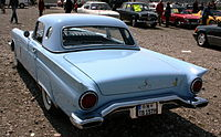 Ford Thunderbird Bj 1957 5000 ccm 250 PS 190 kmh heck.JPG