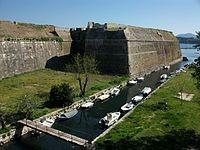 Fossat de la fortalesa vella, Corfú.JPG