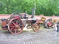 Fowler 1914 und Holzspalter.jpg