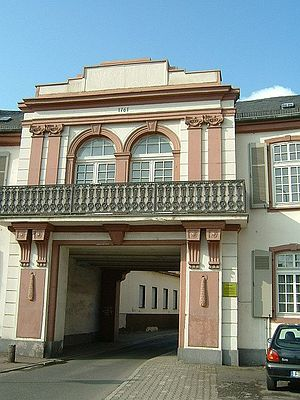 Niederrad - Image: Frauenhofniederrad 1