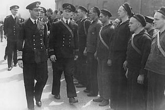 Portsmouth - George VI inspecting the crew of the HNoMS Draug in Portsmouth during the Second World War
