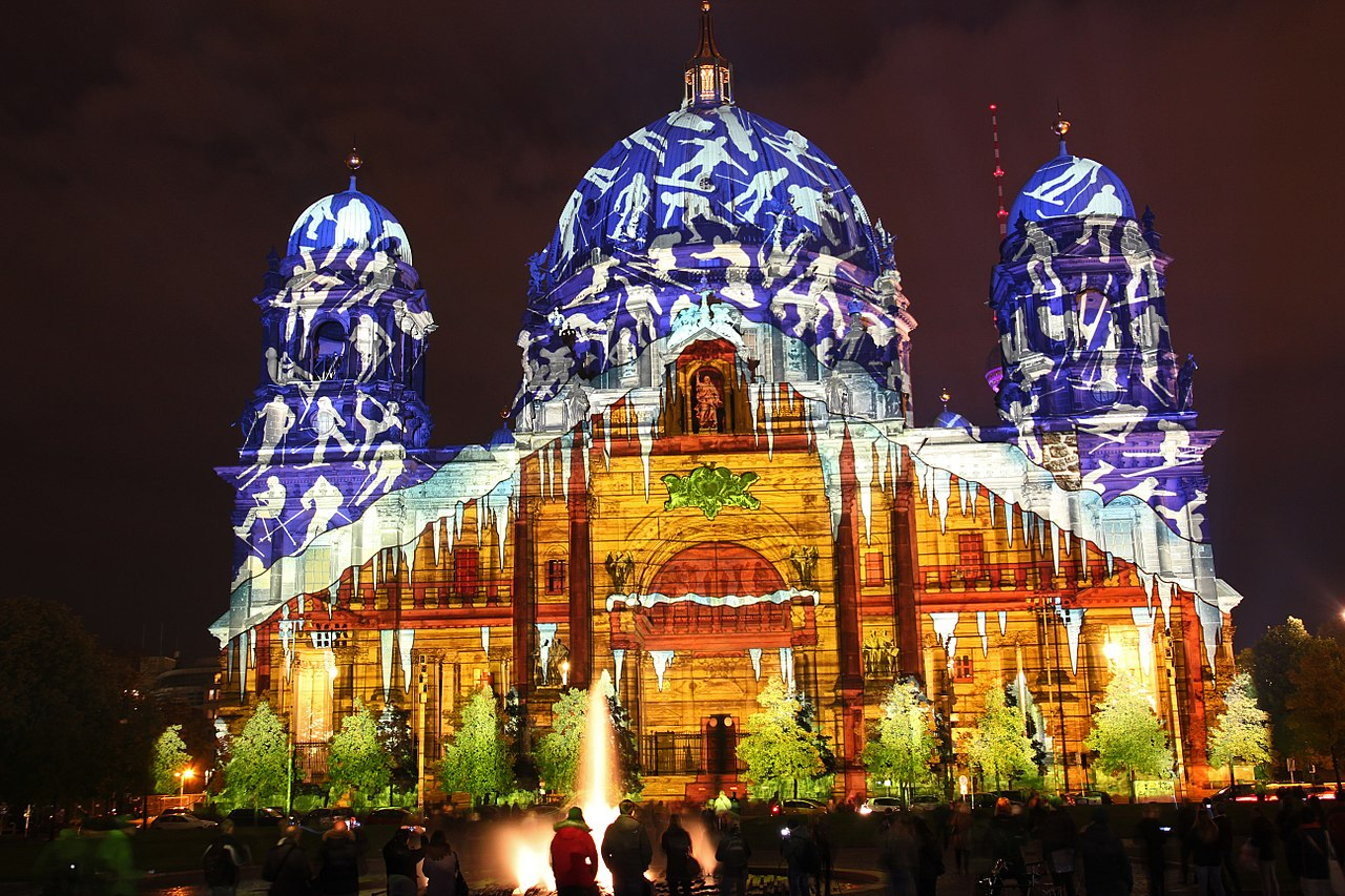 File:Germany, Berlin- Festival of lights 2012 2.jpg ...