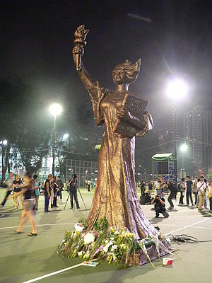 Goddess of Democracy - Image: Goddess of Democracy HK 20100604