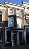 foto van Huis met eenvoudige lijstgevel