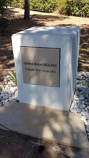 Marcel Bigeard - Grave of General Marcel Bigeard at the Mémorial des guerres en Indochine at Fréjus