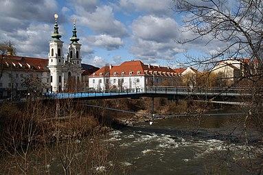 Graz Mursteg Mariahilferkirche 2012.jpg