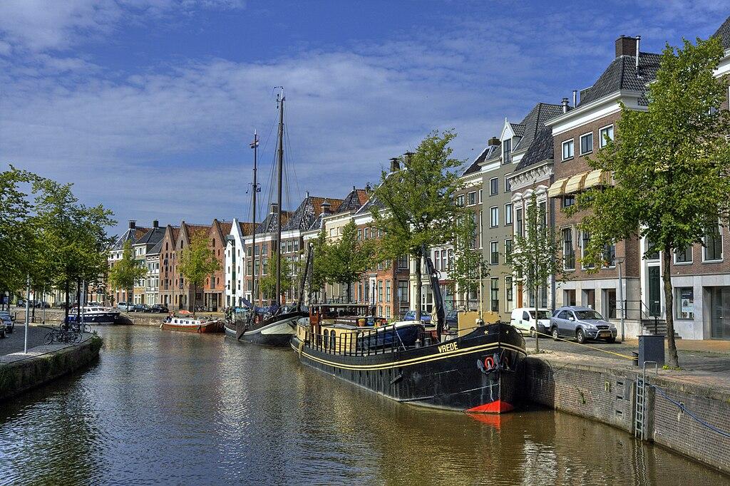 Groningen - Hoge der A - vanaf de A-brug - Bert Kaufmann.jpg