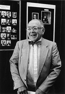 En glad Clifford G. Shull 1994.