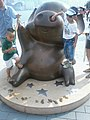 HK TST Avenue of Stars 01 麥兜 McDull figure sculpture Aug-2012 Brian Tse.jpg