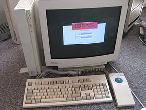 HP 9000 - HP 9000 model 425 running HP-UX and Visual User Environment (VUE)