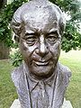 Harold Holt bust.jpg