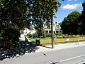 Historic Ashbridge's house and grounds, from the window of a 501 Queen streetcar, 2016 09 02 (3) (29510742915).jpg