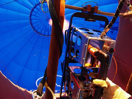 Hot air balloon - Looking inside