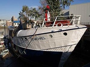 Nine Elms - Houseboat in Nine Elms