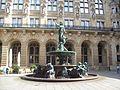 Hygieia-Brunnen im Rathaus-Innenhof.JPG