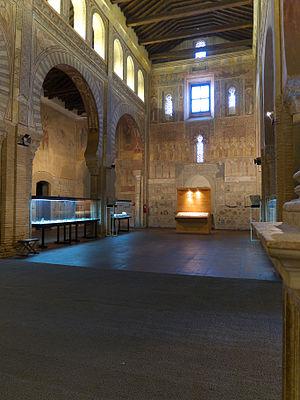 Iglesia de San Román, Toledo - Image: Iglesia de San Román (Toledo). Nave central