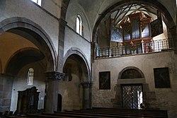 Innenraum Stiftskirche Innichen-3.jpg