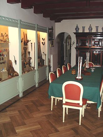 Amsterdam Pipe Museum - Interior of the Amsterdam Pipe Museum, main room